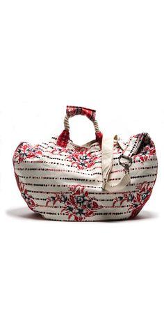 Beach bag.... http://www.discoverlakelanier.com