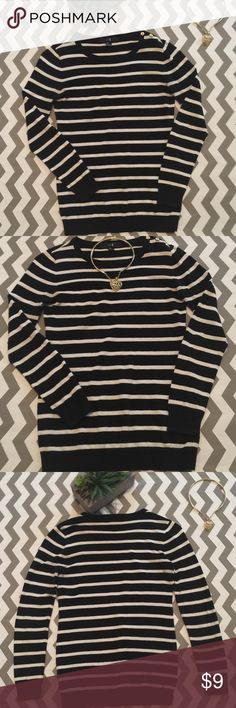 XXI Black & White Striped Crewneck Sweater 3 Gold Buttons On Left Shoulder make it look very classy ! Good used Condition ! Has very minor piling shown in last pic which is barely noticeable unless up that close. Necklace not included ! XXI Sweaters Crew & Scoop Necks