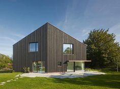 architecture minimalist residence Charming Minimalist Retreat in a Small Bavarian Village: s DenK Residence