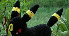 Well, after many *many* requests, I finally did an Umbreon. I know this will bring about an onslaught of requests fo. Crochet Animal Patterns, Stuffed Animal Patterns, Crochet Animals, Crochet Toys, Crochet Pokemon, Easy Knitting, Craft Patterns, Plushies, Projects To Try