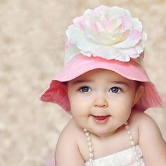 Melondipity Girls Bubble Gum Kisses Baby Sun Hat - Pink Cotton with White  Trim and Over-sized White and Pink Flower - Sized  Infant eab864f794fa
