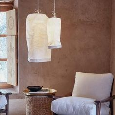 Enter the Made in Italy of Uashmama, discover Hanging Lamp Large White Glow Table, Cosy Decor, Clamp Lamp, Light Chain, Black Lamps, Lighting Solutions, Lamp Bases, White Fabrics, Large White