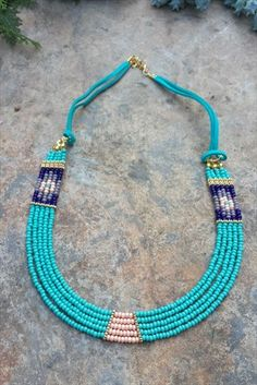 This Pin was discovered by TAK Seed Bead Necklace, Diy Necklace, Beaded Earrings, Beaded Bracelets, Bead Jewellery, Seed Bead Jewelry, Jewelery, Jewelry Necklaces, Colar Fashion