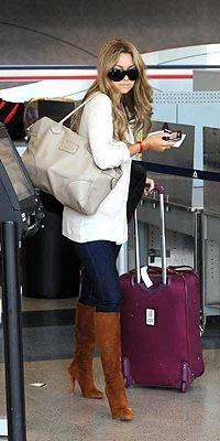 Slide 2: LAUREN CONRAD #travel #travelguide #travelphoto #travelidea #travelstyle Fall Winter Outfits, Autumn Winter Fashion, Lauren Conrad Style, Airport Style, Airport Chic, Airport Outfits, Airport Fashion, Vogue, Gareth Pugh