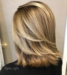 Hairstyles Medium Length Bobs With Layers Red - 50 best medium length layered haircuts in 2019 - hair adviser Medium Length Layered Bob, Shoulder Length Layered Hair, Medium Length Hair Cuts With Layers, Shoulder Hair, Medium Hair Cuts, Medium Hair Styles, Layered Bobs, Long Hair Styles, Medium Brown Hair