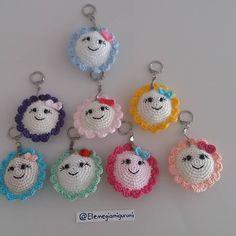 🌻CUMA SÜPRIZİ🌻 🌻SİPARİŞ VERENE BU GÜNEŞ ANAHTARLIK HEDİYE🌻 Crochet Patterns For Beginners, Crochet Patterns Amigurumi, Crochet Dolls, Crochet Stitches, Cute Crochet, Crochet Crafts, Crochet Baby, Crochet Projects, Crochet Pillow