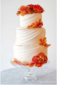 Fall wedding cake with leaf border gteaux de mariage fall wedding cake with leaf border gteaux de mariage pinterest wedding cakes and wedding cakes junglespirit Choice Image