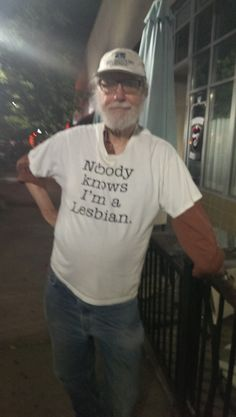 29 Old People Rocking Highly Inappropriate T-Shirts - Inappropriate Shirt - Ideas of Inappropriate Shirt - 29 Old People Rocking Highly Inappropriate T-Shirts Stupid Memes, Funny Memes, Hilarious, Funny Drunk, Drunk Humor, Funny Fails, Reaction Pictures, Funny Pictures, Fail Pictures