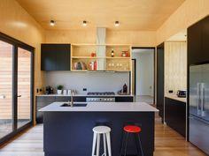 This Tiny Tasmanian Home Boasts Functionality and Style #smallspace #hometour #australia #kitchen
