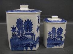 Blue Willow Set of Kitchen Storage Canisters.