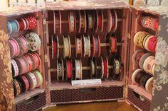 Cartonnage lessons at Sajou Paris shop