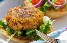 Πεντανόστιμα 'vegan' μπιφτέκια, που δεν υστερούν σε τίποτα σε γεύση αλλά και εμφάνιση με τα μπιφτέκια κιμά, ιδανικά για χορτοφάγους ή για τις ημέρες νηστεί