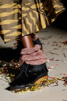 Vivienne Westwood Fall 2015 Ready-to-Wear - Details - Gallery - Style.com