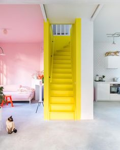 ❤Explore The Best 43 Painted Stairs Ideas for Your Home Redecorate Modern Bedroom Design, Decor Interior Design, Interior Decorating, Modern Design, Craftsman Living Rooms, Interior Design Living Room, Stairs Colours, Yellow Interior, Painted Stairs
