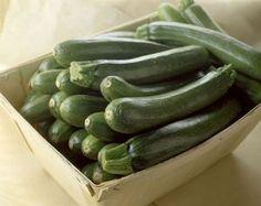 8 nápadů, co vařit, když si nevíte rady s cuketou Vegetable Side Dishes, Vegetable Recipes, Czech Recipes, Salty Foods, Cooking Recipes, Healthy Recipes, Healthy Food, Vegan Baking, Spaghetti Squash