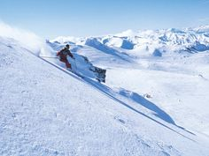 Skier in Queenstown #travel #snow #placestovisit