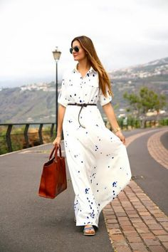 Overview: Blue and White Maxi Dress is preppy chic basic and perfect for wearing shopping wearing on the weekend or wearing to the beach! Details: 100% polyester Size: Small - Bust 84cm, Waist 66cm, L