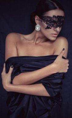 Masquerade ♥ Black lace mask