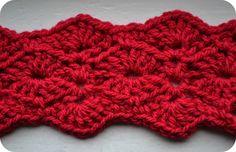 Free crochet belt pattern - add a few more rows for a pretty scarf Crochet Belt, Crochet Bracelet, Crochet Scarves, Easy Crochet, Free Crochet, Knit Crochet, Crochet Ripple, Crochet Stitches Patterns, Crochet Patterns For Beginners