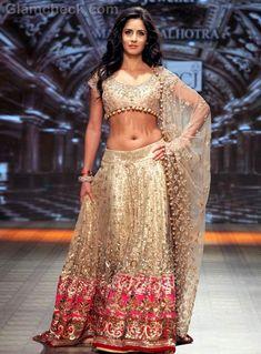 Katrina Kaif at the PCJ Delhi Couture Week 2012 wearing a Manish Malhotra chaniya choli. Lehnga Dress, Bridal Lehenga Choli, Silk Lehenga, Lehenga Blouse, Saree, Couture Week, Indian Dresses, Indian Outfits, Indian Clothes