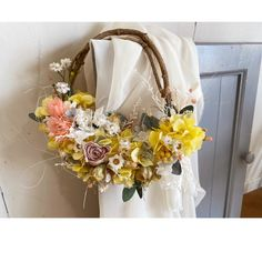 プリザーブドフラワーとドライフラワーのハーフリース(イエロー)   ハンドメイドマーケット minne Floral Wreath, Wreaths, Fall, Home Decor, Autumn, Flower Crowns, Door Wreaths, Deco Mesh Wreaths, Interior Design
