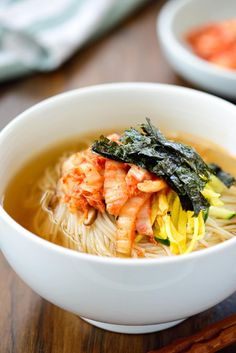 Janchi guksu is a simple warm noodle dish made with thin wheat noodles (somyeon) that are usually in a clear anchovy or beef broth! Its an easy comfort food thats very popular in Korea. Korean Beef Recipes, Asian Recipes, Asian Foods, Asian Desserts, Korean Dishes, Korean Food, Healthy Menu, Healthy Recipes, Tteokbokki Recipe