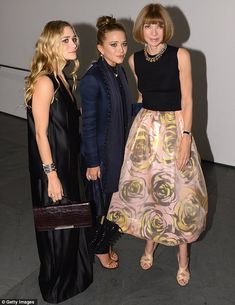 Style elite: The twins posed with Editor-in-chief of American Vogue Anna Wintour