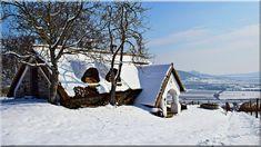 szép vidéki házak, balatoni ingatlanok - Luxuslakás 7 Cottage Homes, Pergola, Sweet Home, Cabin, Country, House Styles, Outdoor, Hungary, Sign