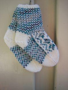 Handknitted socks with norwegian pattern in wool. kr120.00, via Etsy.