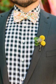 craspedia bout // photo by Kate Romenesko, flowers by Pistil & Vine  http://ruffledblog.com/chicago-day-dead-wedding