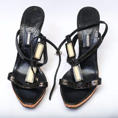 Italian Designer Left&Right Leather Heels size 38 Made in Italy! Gorgeous heels. Size 38. Leather! Very good condition Left&Right Shoes Heels