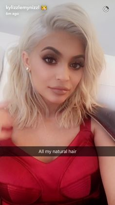 Kylie jenner makeup – Hair and beauty tips, tricks and tutorials Cool Blonde Hair, Brown Blonde Hair, Platinum Blonde Hair, Kylie Jenner Short Hair, Looks Kylie Jenner, Estilo Kardashian, Khloe Kardashian, Hair Looks, Pretty Hairstyles