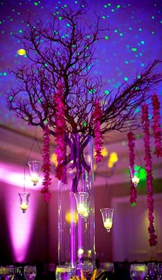 dramatic branches and candles for the wedding centerpiece - OCBRIDEMAG.com brides will want this at their wedding reception