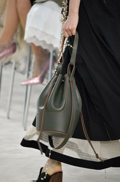 8 New Bag Trends That Will Be Everywhere Next Season Loewe Bag, Spring Bags, 2020 Fashion Trends, Best Bags, Fashion Photo, Givenchy, Bucket Bag, Casual, Popsugar