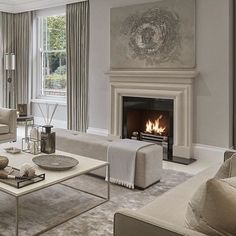 Déco Salon – all taupe living room in different shades has a cool soothing effect… Taupe Living Room, Elegant Living Room, Elegant Home Decor, Formal Living Rooms, Living Room Interior, Home Living Room, Home Interior Design, Living Room Designs, Living Room Decor