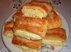 Bułeczki drożdżowe z serem.