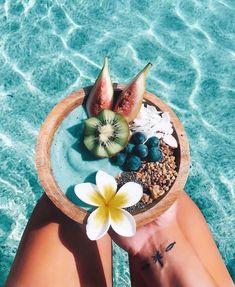 Fruit Smoothies, Healthy Smoothies, Smoothie Recipes, Beach Aesthetic, Aesthetic Food, Summer Aesthetic, Acia Bowl, Smothie Bowl, Comida Disney