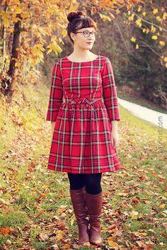 Anna from Paunnet made the most festive Emery Dress yet!