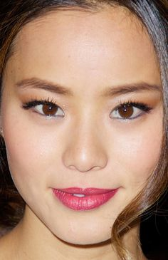 From red lips to glittery eyes, your festive season makeup inspiration is right here! Black Dress Red Carpet, Navajo Women, Jamie Chung, Beauty Awards, Celebrity Beauty, Poses, Celebs, Celebrities, Party Makeup