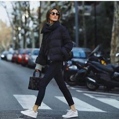 - Women Style World Casual Winter Outfits, Stylish Outfits, Fall Outfits, Outfit Winter, Minimalist Winter Outfit, Look Fashion, Fashion Outfits, Basic Outfits, Looks Style