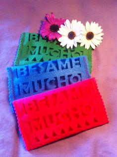 Porta Fazzoletti di Carta collezione #BesameMucho  Colori forti #DezaYeppa disponibile in verde, blu elettrico e fucsia.