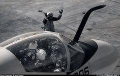 Grumman A-6A Intruder (G-128/A2F-1) aircraft picture