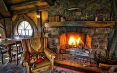 gorgeous rustic living rooms with charming stone fireplace 9 > Fieltro. Storybook Homes, Storybook Cottage, Cabin Homes, Log Homes, Casa Dos Hobbits, Design Your Home, House Design, Fairytale Cottage, Fairytale Home Decor
