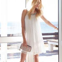 Kleid mit silbernen Perlen in weiß von SIENNA PINK bei IMPRESSIONEN