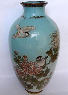 Breathtaking Japanese fine cloisonne vase Japan 19th Century Meiji silver wired