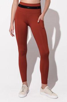 Daquini Bossa Pocket Leggings in Black – Daquïni Activewear Bra Tops, Bra Sizes, Activewear, Perfect Fit, Bodysuit, Leggings, Pocket, Black, Style