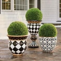 Urn Planters, Outdoor Planters, Outdoor Decor, Painted Flower Pots, Painted Pots, Painted Pebbles, Hand Painted, Garden Spaces, Garden Pots