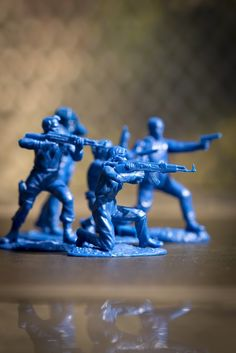 Army Men Toys, Plastic Toy Soldiers, Wrangler Shirts, Outer Space, Welding, Airplanes, Action Figures, Battle, Military