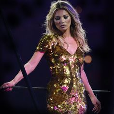 British Gold: Models Take the Stage at Olympic Closing Ceremony