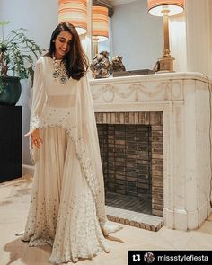 Indo-Western Gown Styles For You To Sport At The Next Wedding - Wedding Outfit Indian Gowns Dresses, Indian Fashion Dresses, Indian Designer Outfits, Indian Fashion Trends, Indian Outfits Modern, Pakistani Clothing, Indian Designers, Pakistani Dresses, Mode Bollywood